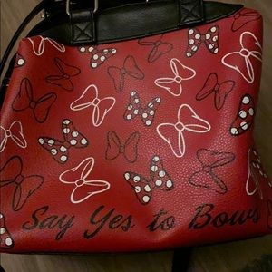 Minnie Mouse Say Yes to Bows hand bag.